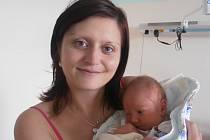 V náručí maminky Martiny si spokojeně hoví Ladislav Hubáček. Nový obyvatel obce Mladošovice se narodil v pondělí 9. 5. 2016 v 17 hodin a 14 minut, vážil 3,48 kg. Raduje se tatínek Ladislav i 7letá nevlastní sestřička Nelinka.