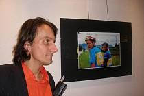 Martin Pokorný vystavuje snímky v rozhlase.