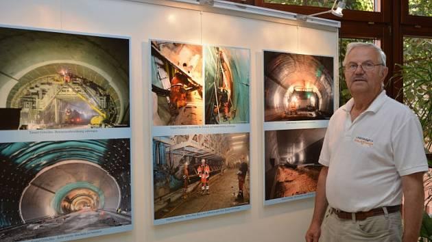 Dokumentoval mj. stavbu tunelu na S10.