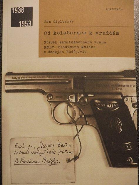 Jan Ciglbauer. Znalec jihočeské historie vydal titul ovraždách spáchaných kolaboranty.