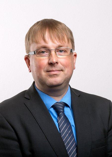 Prorektor Petr Bauman vysvětlil vše okombinované formě studia na JU.