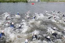 Nejen plavecké souboje početného startovního pole nabízejí pro fanoušky terénního triatlonu atraktivní podívanou. Xterra Czech Open 2008 odstartuje pod hlubockým zámkem na konci června.