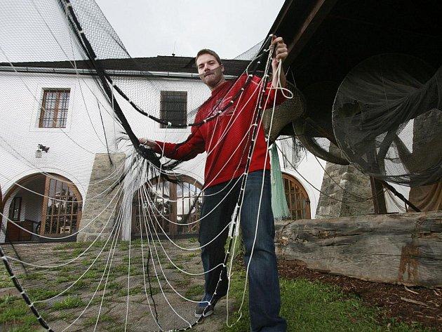 Až do konce října je na tvrzi Žumberk k vidění výstava Ryby a lidé, která připomíná tradici jihočeského rybníkářství. Na snímku Tomáš Petr.