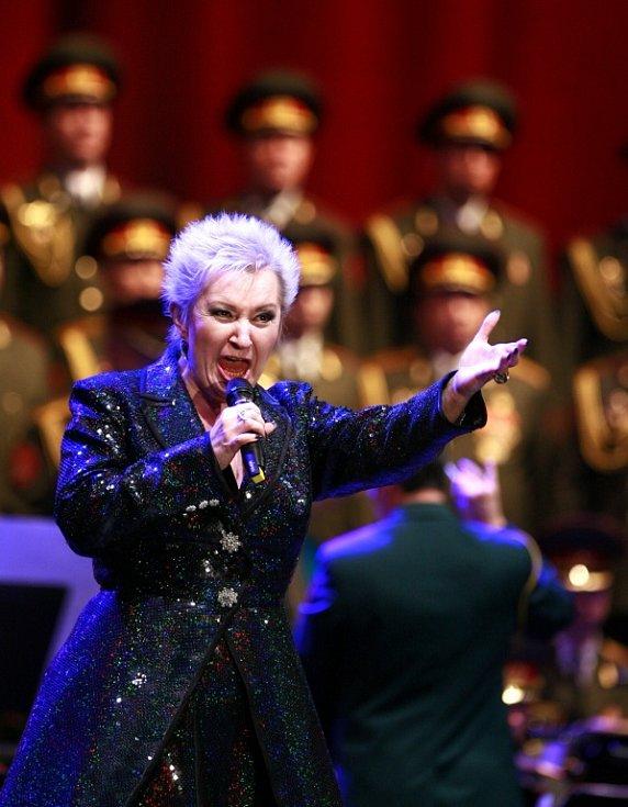 Alexandrovci zpívali 8. prosince v českobudějovické Budvar aréně. Přilákali asi 3000 lidí. Jedním z hostů byla sopranistka Eva Urbanová: zpívala píseň od Vangelise i Tichou noc.