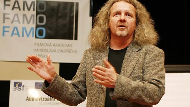 František A. Brabec, kameraman filmů Obecná škola či Kajínek, besedoval ve čtvrtek se studenty v českobudějovickém Domě kultury Metropol.