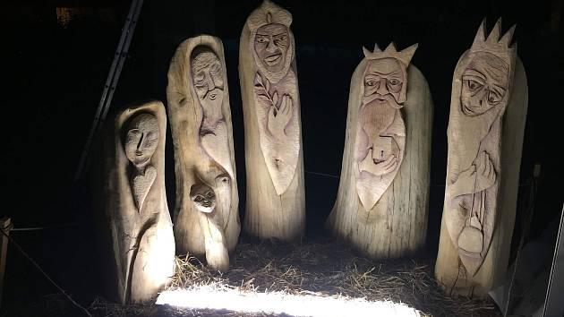 Vánoční strom svítí ve Včelné od neděle 1. prosince.