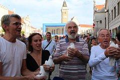 Ve středu odstartoval film Po strništi bos z dílny otce a syna Svěrákových čtvrtý ročník festivalu Slavonice Fest.