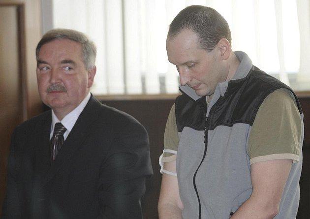 Marek Neubauer u soudu.