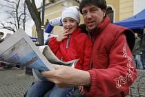 Ve čtvrtek se akce Den s Deníkem objevila ve druhém největším městě Českobudějovicka. Lidé v Týně nad Vltavou mohli vidět, jak se dělají noviny, či podebatovat se starostou Karlem Hájkem.