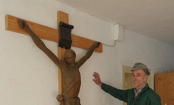 Kuriozita - Kristus se šesti prsty.
