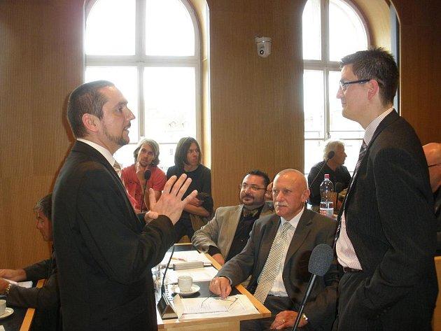 V Českých Budějovicích byl na mimořádném zasedání zastupitelstva odvolán primátor města Juraj Thoma.