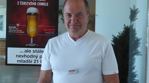 Jan Krátký (na snímku) rád ochutnává i při svých turistických výletech.