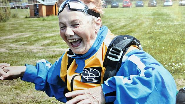 Na povznášející cestu vzduchem by se učitelka Božena Pazourová ráda vypravila i v letošním roce.