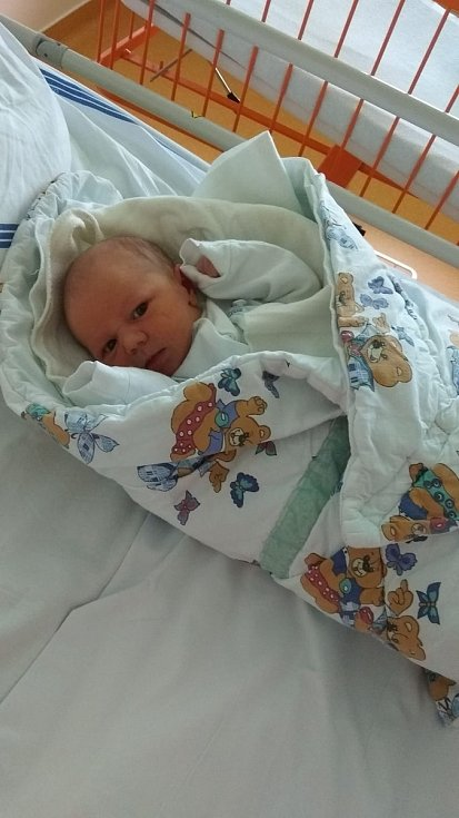 Lucie Štědronská a Jaroslav Valkovič jsou rodiči Lukáše Valkoviče. Narodil se 8. 12. 2018 v 5.38 h., vážil 3,12 kg. Vyrůstat bude v Českých Budějovicích.