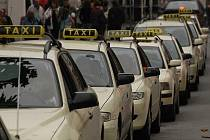 Skoro 50 taxíků Pasovu nestačí.