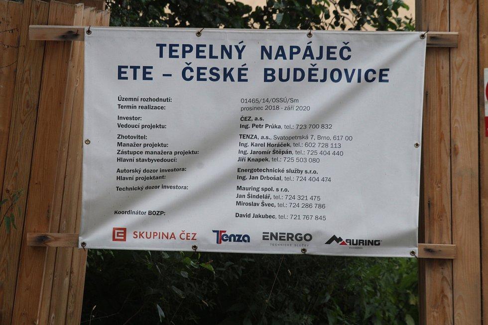 Teplovod z Temelína do Českých Budějovic.