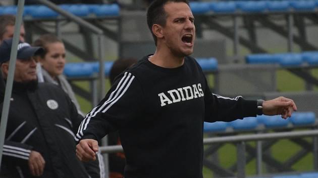 Martin Vozábal vedle své funkce sportovního manažera na konci podzimu vypomohl i farmě Dynama jako kouč.