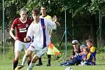 """Žensko-mužský fotbal moli vidět včera  diváci na """"Koháči"""""""