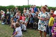 Obyvatelé Svatého Jana nad Malší v pátek komisi představovali život v jejich vsi na svatojanském kopci. Školu a školku členové komise nemohli vynechat.