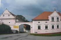 Zajímavosti Záboří. Obec se může chlubit mnoha statky se zachovalým selským barokem. Foto: Zdeněk Kohlíček, archiv OÚ Záboří
