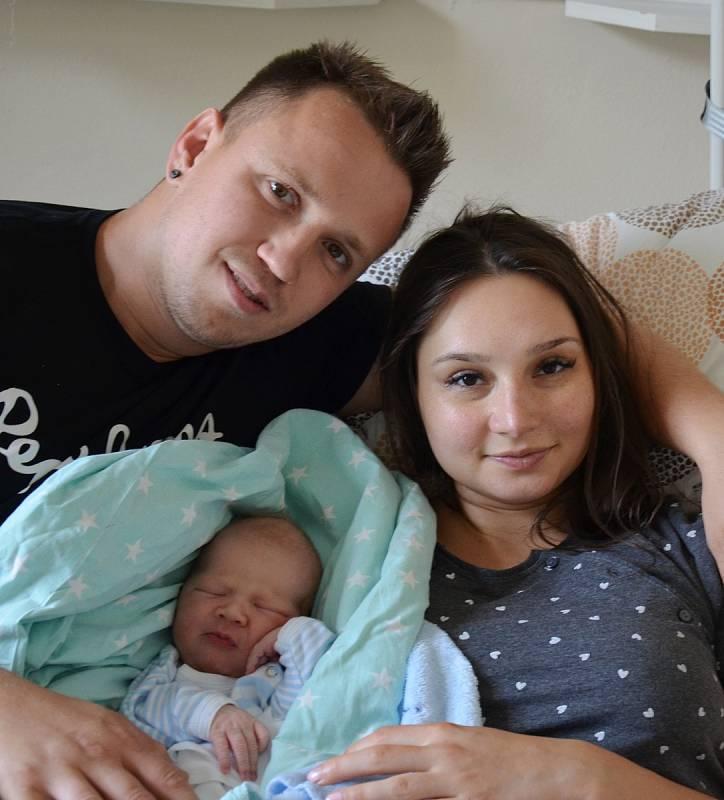 Štěpánek Opava z Písku. Prvorozený syn Terezy Sobíškové a Jiřího Opavy se narodil 4. 10. 2021 v 15.49 h, vážil 4,45 kg.Foto: Jana Krupauerová