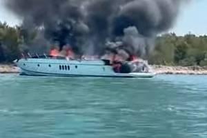 Na lodi s expolitikem FPÖ hořelo!