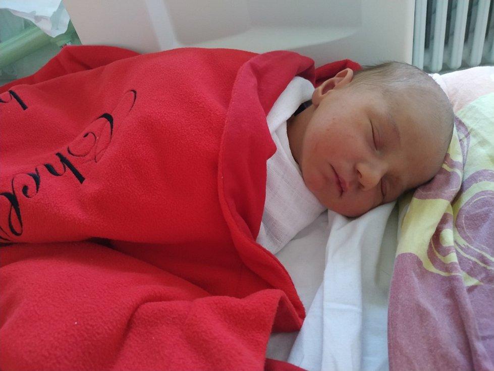 Mikuláš Řehoř Hrneček z Písku. Syn Jany Řehořové a Václava Hrnečka se narodil 12. 3. 2020 v 8.29 hodin v písecké porodnici. Při narození vážil 3900 g a měřil 51 cm.