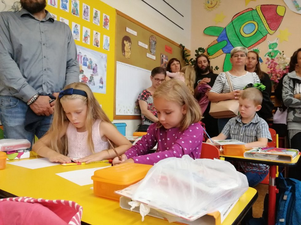 První školní den v ZŠ a MŠ Dolní Bukovsko.
