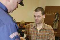 Marek Ulč stanul u soudu za střelbu na policisty – jako obžalovaný z pokusu vraždy.