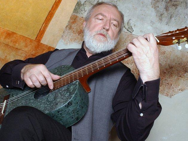 Kytarový virtuos Štěpán Rak.