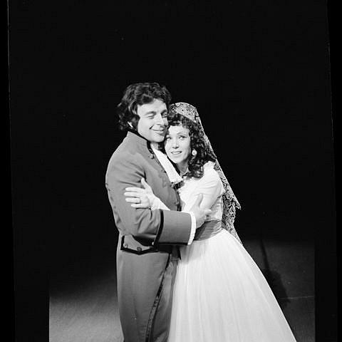 Josef Průdek, osobnost opery Jihočeského divadla, slaví 70. narozeniny. Snímek z představení Goya.