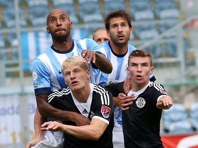 Mladou Boleslav fotbalisté Dynama porazili i v deseti, uspět chtějí v sobotu doma i se Slováckem.