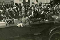 První československý prezident Tomáš Garrigue Masaryk při své návštěvě Českých Budějovic na tehdejším náměstí Svobody v roce 1924.