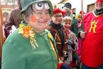 I děti se v Rudolfově zapojily do tradičního průvodu masek.