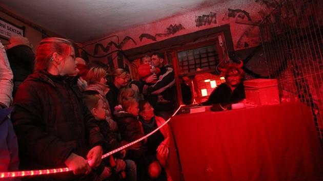 Peklománie v Borovanech prozrazuje, jak si žijí čerti.