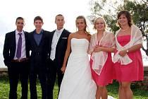 Tři bratři si vzali tři sestry.