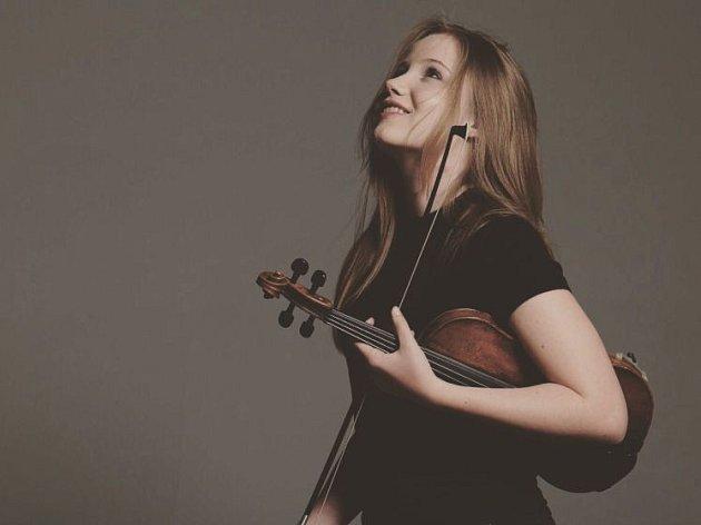 Mladá houslařka zahájí Brucknerovy dny.