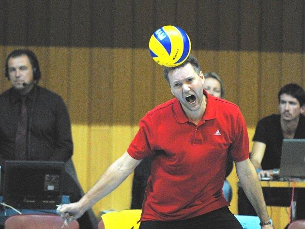 Proto trenér českobudějovického Jihostroje Petr Brom vyšle do utkání se zlínskou Fatrou to nejsilnější, co má. Oba celky mají stejně bodů – Budějovičtí jsou čtvrtí díky lepšímu skóre před Libercem, šestým  Zlínem a sedmou Příbramí.