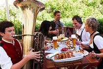 Historii piva připomene Bavorská zemská výstava, jež začne 29. dubna v německém Aldersbachu u Pasova. Tradicí pivovarnictví ožije Dům historie Bavorska, zdejší klášter i historický pivovar. Lákadlem bude pivní stan.