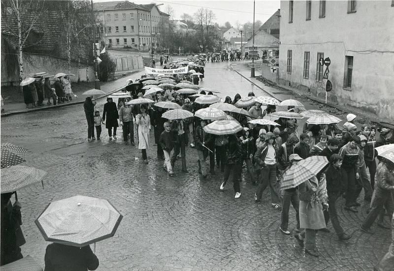 1. máj 1982 Týn nad Vltavou - ZŠ z Týna a okolí