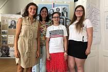Studentky (zleva) Barbora z Ústí na Labem, Nadia (z Vídně), Isabell (z Vídně) a Blanka (z Benešovska).