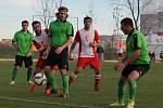 Slavoj Temelín (v červenobílém) se rozloučil s podzimní sezonou vítězstvím, doma porazil Neplachov 3:0.