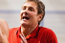 ZMĚNY. Hlavní trenér Lions Karel Forejt plánuje pro utkání v Nymburku změny v sestavě.