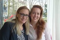 Nejen o synchronizovaném plavání jsme si povídaly s (zprava) Markétou Cirhanovou a Ilonou Bravencovou.