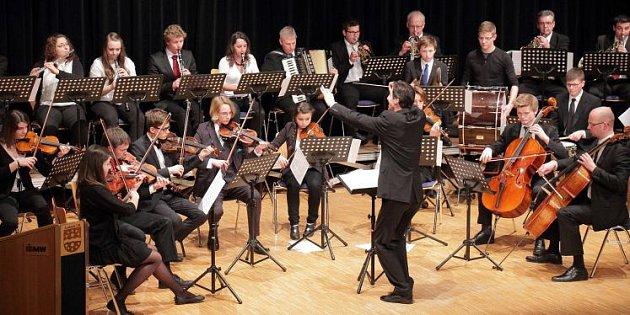 Komorní orchestr slaví deset let.