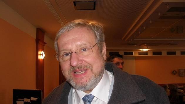 Biotronik Tomáš Pfeiffer zve posluchače na koncert do DK Slavie.