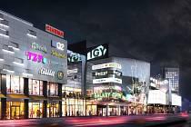 Vizualizace ukazuje budoucí podobu českobudějovického IGY Centra po modernizaci. Na současnou stavbu naváže IGY2 (na snímku více vpravo), které vyroste naproti současnému IGY přes Pekárenskou ulici.