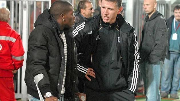 Trenér Jaroslav Šilhavý před posledním domácím zápasem s Mladou Boleslaví spolu s Fernando Hudsonem.