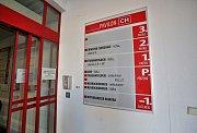 Na úrazové ambulanci českobudějovické nemocnice zaznamenali zvýšený počet pacientů. Zlomenin zápěstí bylo kvůli náledí desetinásobné množství, než je obvyklé.