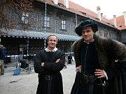 V Českém Krumlově se 2. listopadu natáčel německý historický film o reformátorovi Martinu Lutherovi. Dvoudílný film odvysílá příští rok německá stanice ZDF. Na snímku Maximilian Brückner, který hraje Martina Luthera, vpravo Fabian Hinrichs.